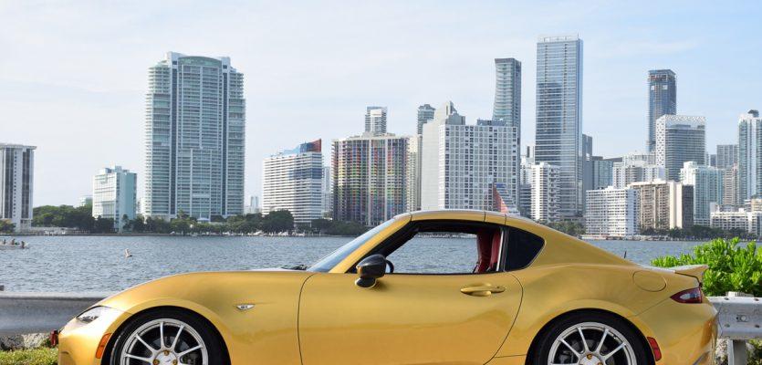The Road(Ster) Trip – Miami in a gold fashion